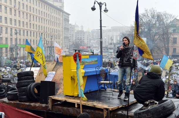 Ukrainian musician and singer Ruslana Lyzhychko known as Ruslana, a World Music Award winner and MTV Europe Music Award nominated artist, performs on an anti-government barricade in central Kiev during a concert organized for the activists and the policemen on February 10, 2014. Ruslana also won the Eurovision Song Contest in 2004. AFP PHOTO / SERGEI SUPINSKY