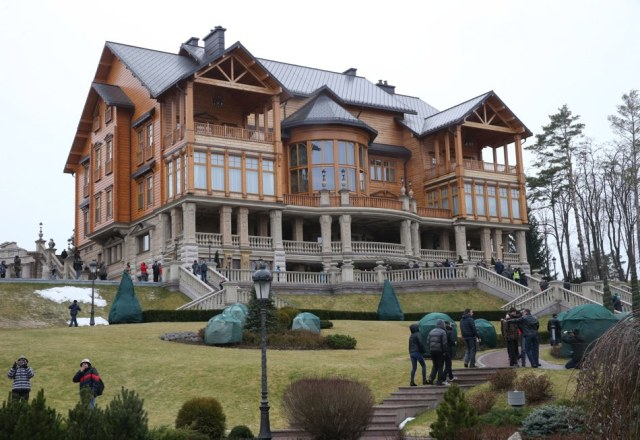 A villa at Mezhyhirya, an out-of-town estate of Ukrainian president Viktor Yanukovych north of Kiev (Pochuyev Mikhail/ITAR-TASS Photo/Corbis)