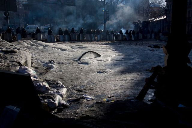 Protesters clashing with police in Kiev, Ukraine, February 2014 (Gueorgui Pinkhassov/Magnum Photos)
