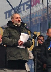 Josef Zissels speaking on Maidan, Kyiv.