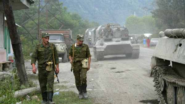 Russian peacekeepers during Georgian-Ossetian conflict. Photo: RIA Novosti, Said Gutsiev. Source: http://en.ria.ru/military_news/20140808/191841468/Timeline-of-Georgias-2008-Offensive-on-South-Ossetia.html