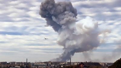 В Донецке произошел мощнейший взрыв на одной из баз боевиков, обстрелы города и атаки на аэропорт продолжились