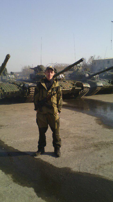 Russian tanks in Luhansk. SOURCE