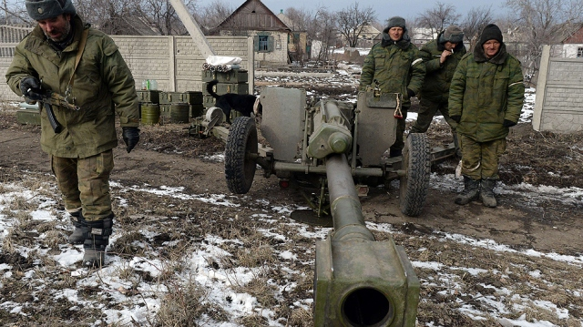 Insurgent forces stationed on the outskirts of Debaltseve. Photo by AFP.