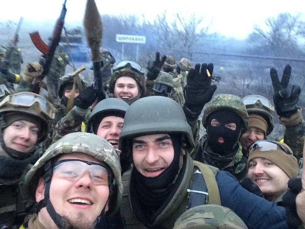 Azov Battalion selfies in Shyrokyne