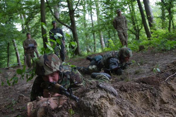 Ukrainian National Guardsmen complete the 1st of 5 modules during their Fearless Guardian training. Source