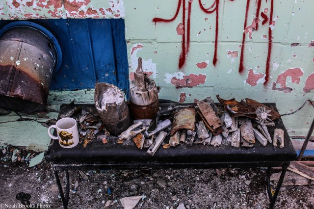 "Pieces of artillery and mortar shells in East Ukraine after ""separatists"" shelled Ukrainian positions. (Sea shells in Shyrokyne). Photo: Noah Brooks. Source: http://ink361.com/app/users/ig-938895707/modernwarcollective/photos/ig-991694745959600388_938895707"