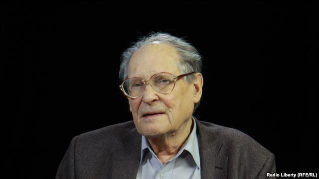 Political dissident Sergei Kovalev