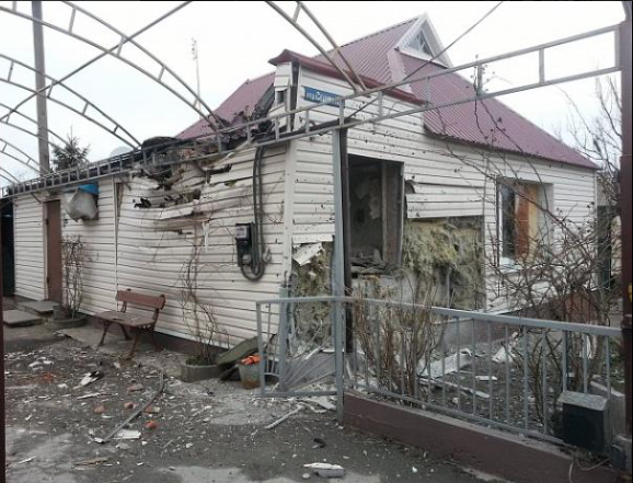 Avdiivka. House hit from militant shelling, April 1, 2016. Photo: TV Channel Ukraine https://twitter.com/Kanalukraine_en/status/715817480934072326
