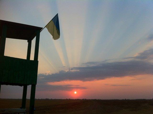 Photo: Dmitry Kapustin. On National Guard watch in Berdyansk, Ukraine October 2015