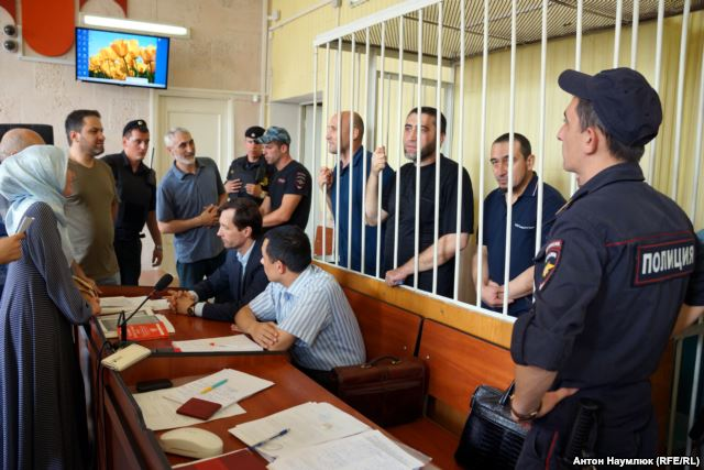 Defendants in the case of Hizb ut-Tahrir in the Kyiv District Court of Simferopol. Photo: Anton Naumlyuk